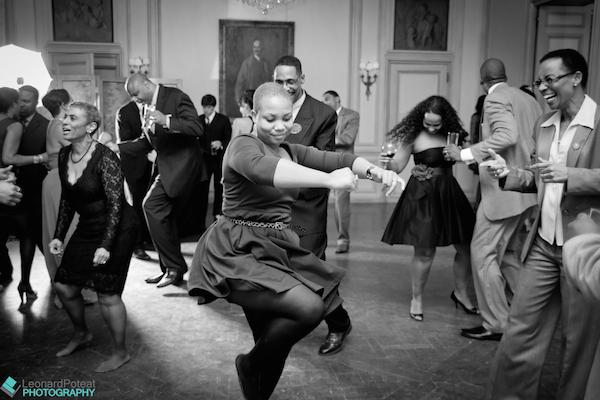 Dancing_Wedding_Guests